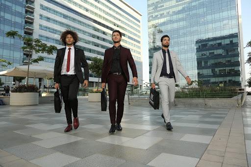 חליפות לגברים - רק בדיפלומט חליפות