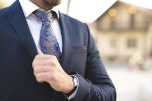 קשירת עניבה ראשית