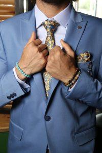 קשירת עניבה