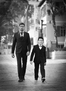 חליפות מחויטות לילדים ראשית